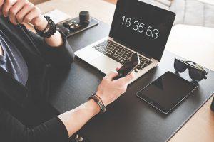 מעקב שעות אחר עובדים