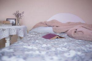 כיצד המצעים שלכם משפיעים על איכות השינה