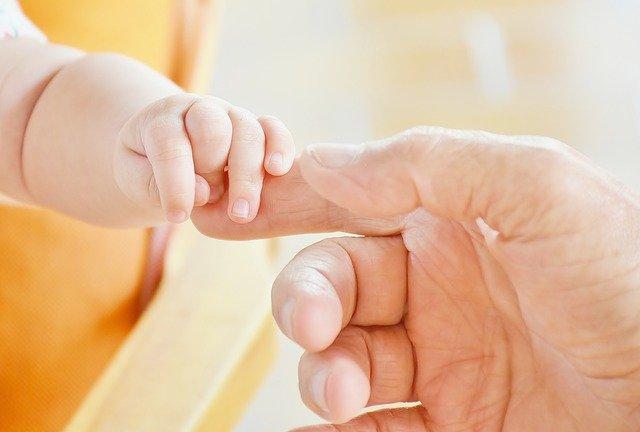 להורים הטריים: איך מזהים בעיות בהתפתחות תינוקות?