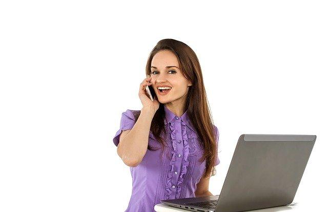 שירותי משרד במיקור חוץ לעסקים: יתרונות שלא ישאירו אתכם אדישים